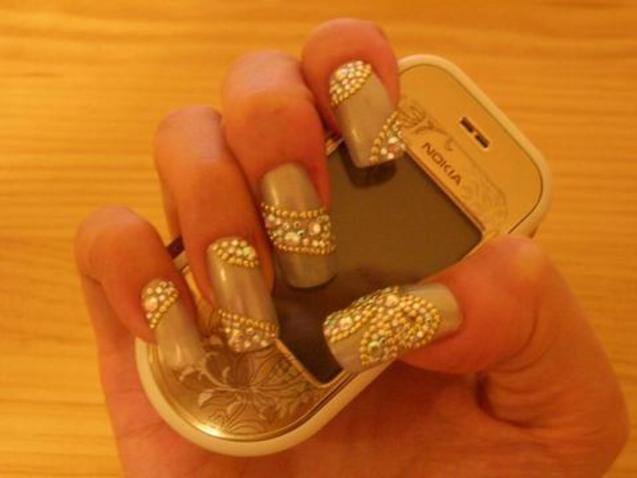 艺术 美甲/美甲艺术分类1.指甲笔绘用专用美甲颜料在甲面上描绘插图2.指甲...