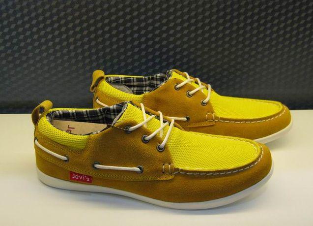 吴营/简约帆船男鞋在此店买的