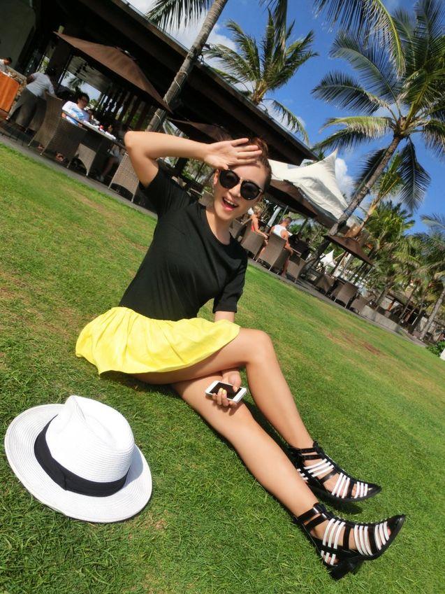 黄色 黑色/TKSTYLE 品牌系列大牌黑色拼接麻料黄色小裙摆连衣裙 欧美大热...
